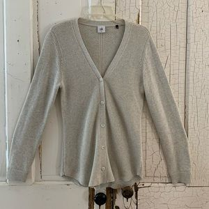 Cabi beige shirttail cardigan Size Medium